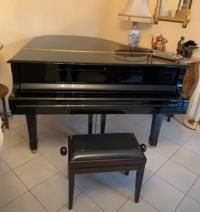(Vidéo) Descente d'un piano 1/4Q YAMAHA C1 sur 4 étages par HELPIANOS